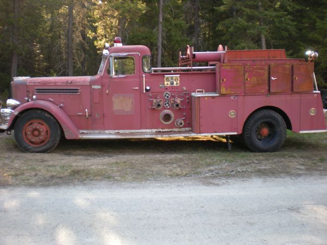 1959 Pirsch fire engine - driver's side