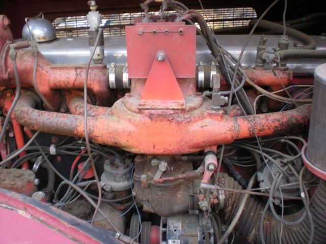 1959 Pirsch fire engine - engine compartment